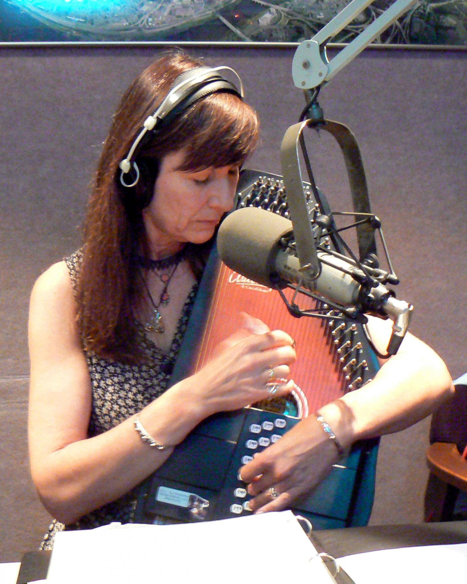 WWUH Radio 91.3 FM